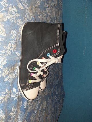 zapatillas seminuevas