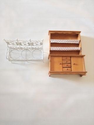 Banco jardín y buffet miniatura