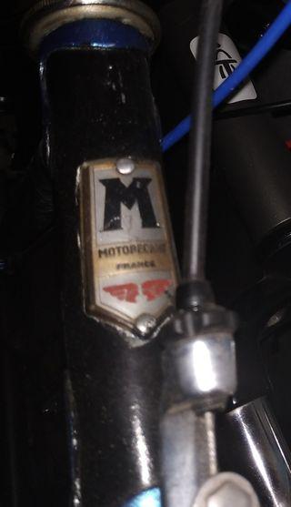 Bicicleta MOTOBÉCANE antigua.
