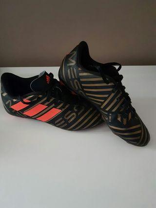 botas fútbol Messi n°33