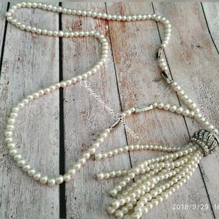 9bbde2949f78 Collar de perlas largo de segunda mano en Valencia en WALLAPOP