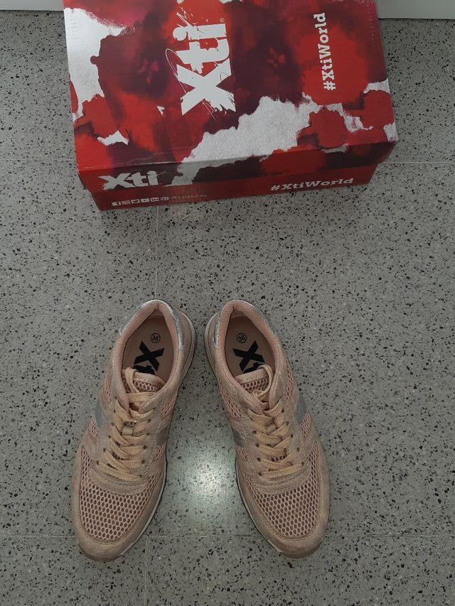 cc2ebad9e9 Zapatillas rosas XTI verano N.36 de segunda mano por 45 € en Sitges ...