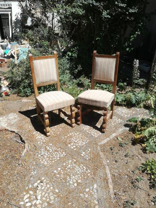 Dos sillones antiguos