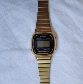 ed1256900a78 Reloj Casio dorado de segunda mano en Barcelona en WALLAPOP