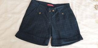 Pantalón corto azul cuadros talla S.