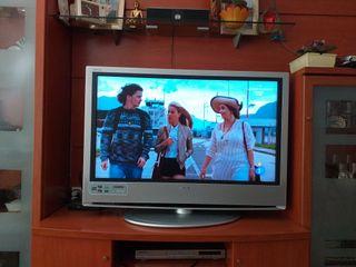 """Sony Bravia TV 40"""" con soporte - HDMI"""