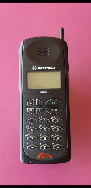 telefono movil antiguo motorola