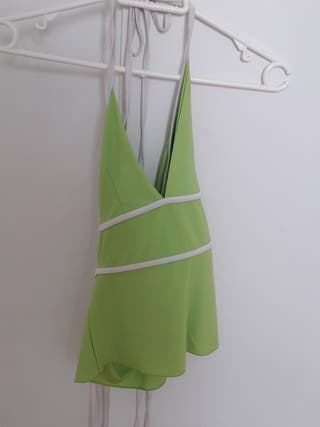 Camiseta verde tiras blancas talla S