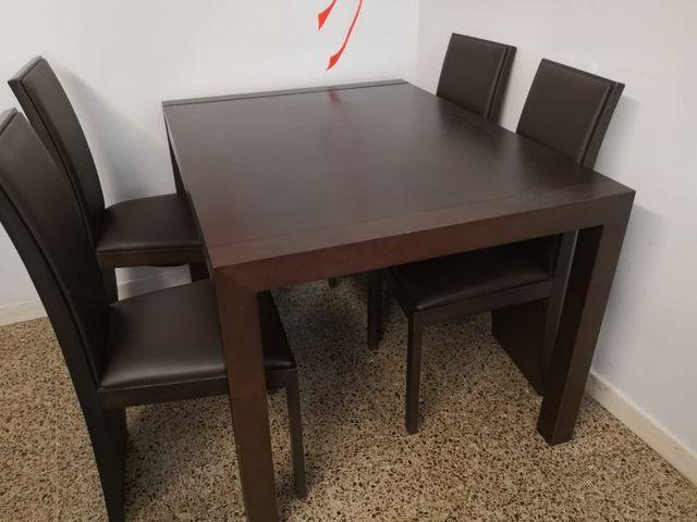 Mesa extensible y sillas de calidad para comedor de segunda mano por ...