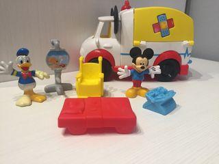 Mickey Mouse ambulancia