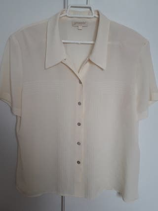 Camisa beige hombreras talla 46