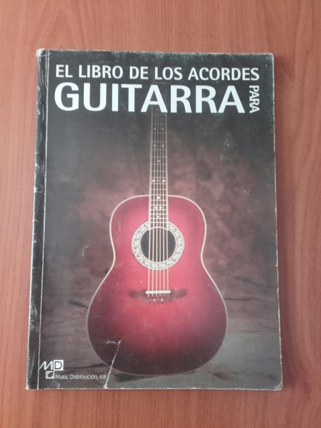 Libro de acordes para guitarra de segunda mano por 7 € en Sant Boi ...