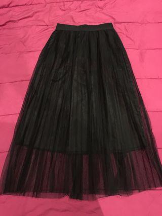 a11c90f92 Falda Zara negra de segunda mano en la provincia de Asturias en WALLAPOP
