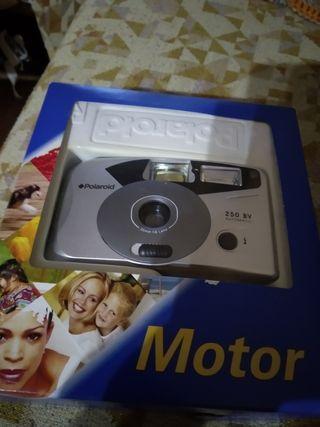 Cámara marca Polaroid