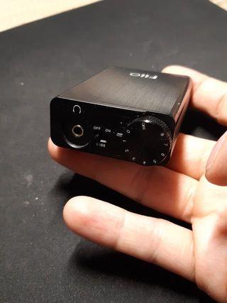 Fiio E10K - Amplificador para auriculares, negro