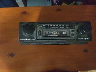 radio antigua de cintas punto azul