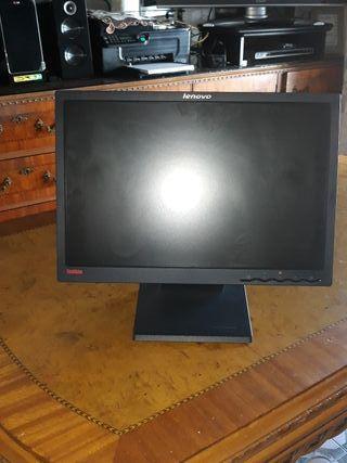 Monitor Lenovo Thinkvision