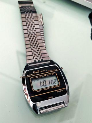Estupendo Reloj Digital QyQ Japan
