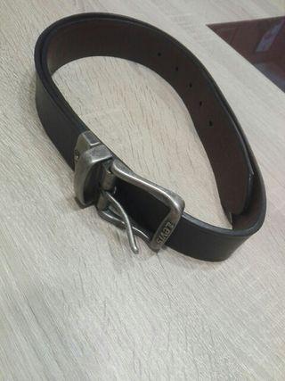 7f8d8b723 Cinturón de cuero para hombre de segunda mano en la provincia de ...