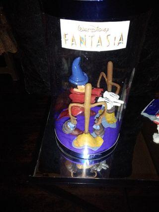 Figura Mickey fantasía y escobas disney