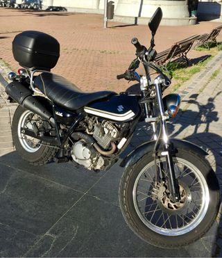 Moto Suzuki VanVan125