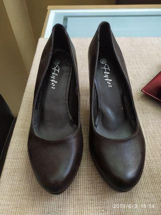 zapato marron nuevo sin estrenar