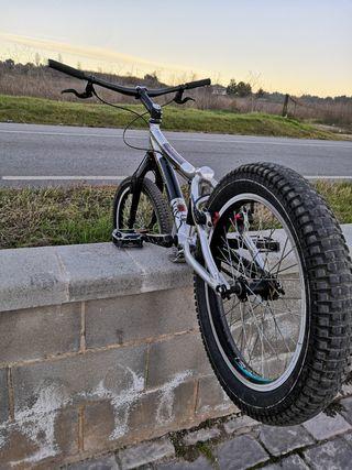 bicicleta monty magura trial