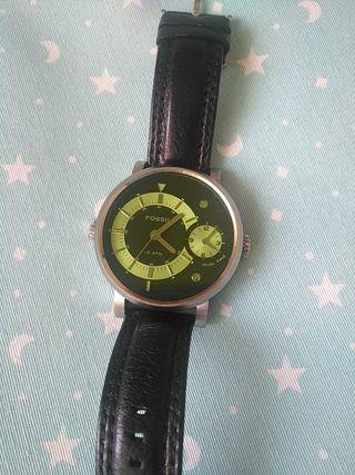 2115c80c0f43 Reloj Fossil de segunda mano en la provincia de Madrid en WALLAPOP