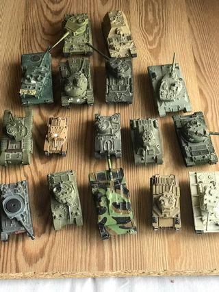 Lote de 18 maquetas Tanques de guerra Altaya