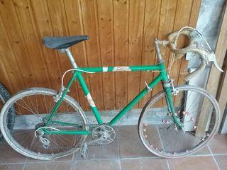 Bicicleta carretera antigua.