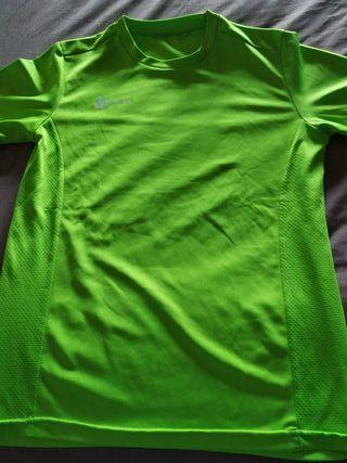 camiseta de deporte de chica color verde TEAM