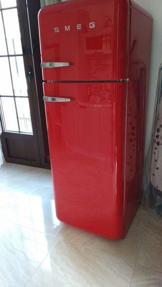 Nevera frigorífico SMEG roja