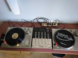 Platos y tabla mezclas DJ