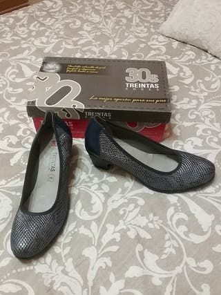 a estrenar zapatos piel marca treinta,s N° 41