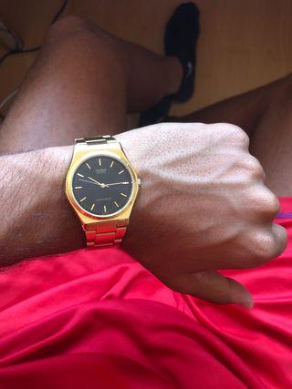 bf1462e8db8d Reloj Casio dorado de segunda mano en WALLAPOP