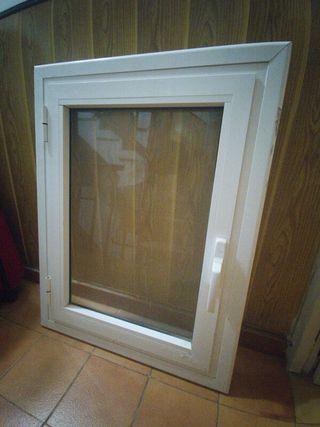 ventana doble cristal PVC. 79x59