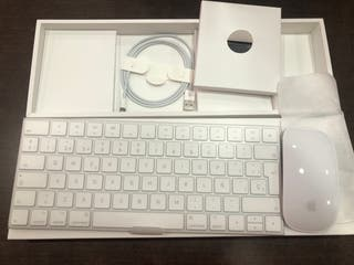 Apple Magic Keyboard Español y Magic Mouse 2