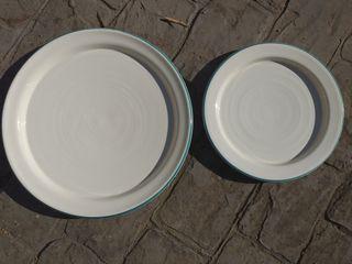 Platos de barro hechos a mano