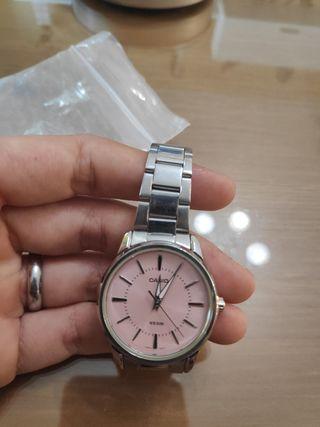 6ac0e8f8c917 Reloj Casio rosa de segunda mano en WALLAPOP