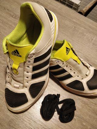 En Segunda Sala Topsala De € 12 Zapatilla Adidas Por Seminuevas Mano NXn0w8kOP