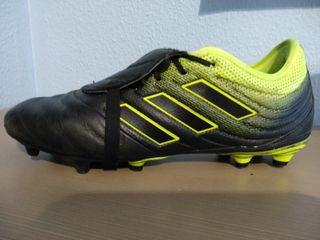 a0e8926b27d Botas de fútbol Adidas negras de segunda mano en la provincia de ...