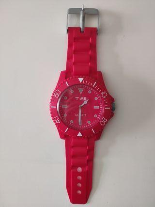 6aeb2a3509aa Reloj de pared moderno de segunda mano en WALLAPOP