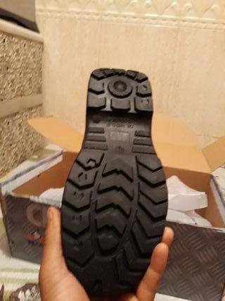 botas de seguridad talla 43