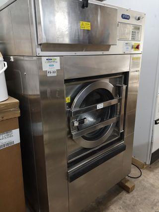 Lavadora industrial PRIMUS de 22kg.