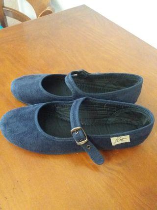 ca5aa79ab9b Zapatos para niñas de segunda mano en Burjassot en WALLAPOP