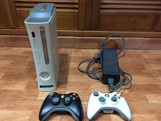 XBOX 360 + mandos + juegos