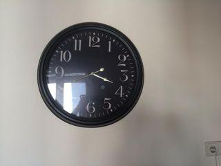 Reloj pórtico.