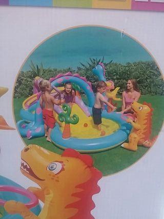 piscina inchable con tobogan solo gastado 3 dias