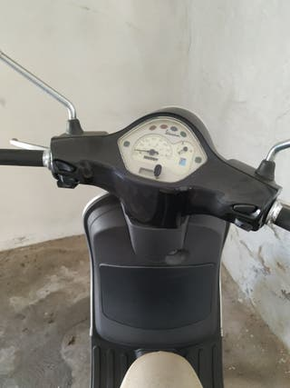 Moto Piaggio Vespa LX50 49cc.