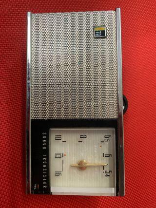 Radio Sanyo AM antigua años 70